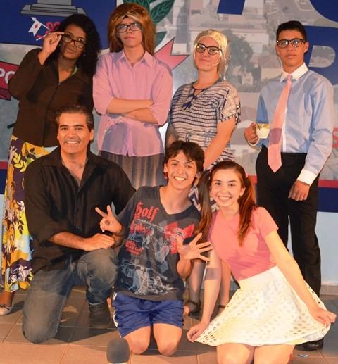 """Fotos: Do Espetáculo de Teatro """"A Curiosidade Premiada"""" no Auditório do Paco Municipal."""
