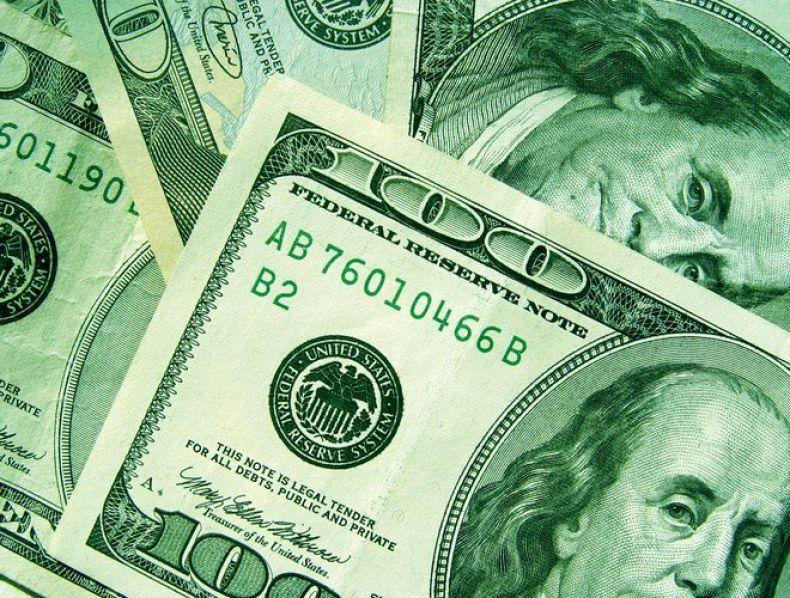 Dólar avança e registra maior alta semanal em mais de 14 meses