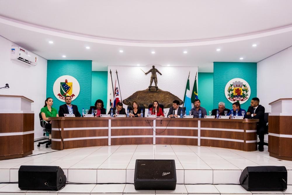 Câmara Municipal de Antônio João garante acessibilidade. Obra foi entregue pela presidente do legislativo, vereadora Cecília Cáceres - Foto: André de Albuquerque