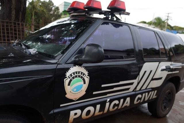 Casal foi levado até a delegacia de Polícia Civil. Imagem: Rio Brilhante em Tempo Real