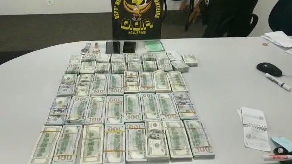 Dinheiro foi apreendido em ação do DOF (Foto: Divulgação)