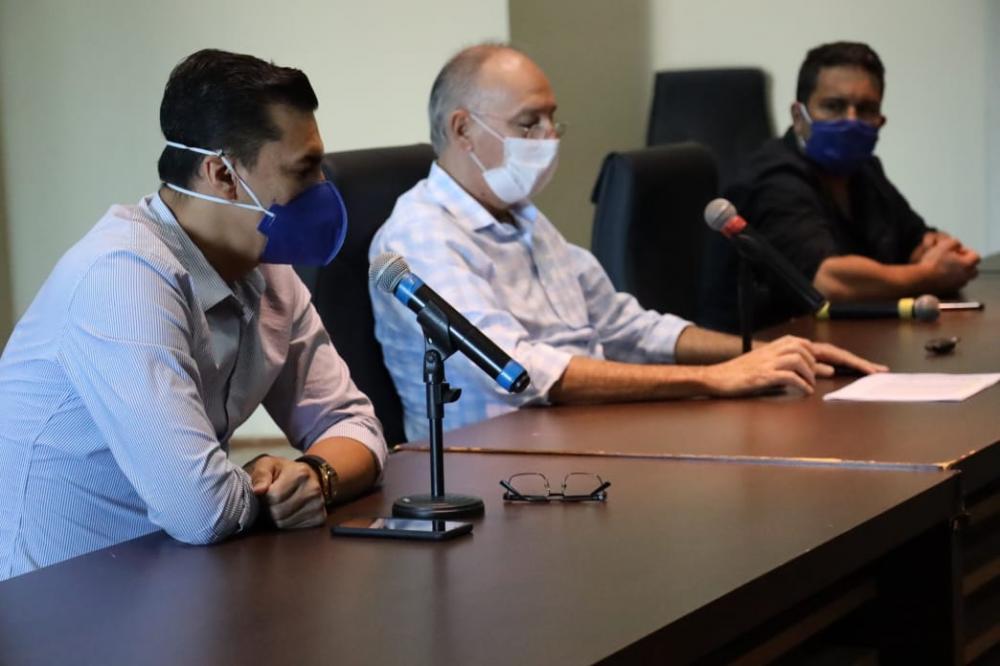 Secretário de Saúde, Patrick Derzi fez uma ampla explanação das ações no lado brasileiro