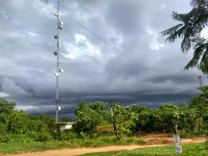 Torres de transmissão ficam situadas no alto do Morro do Paxixi (Arquivo)