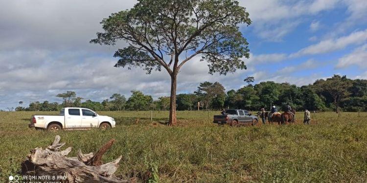 Corpo foi encontrado em uma estrada (Foto: Capitan Bado)