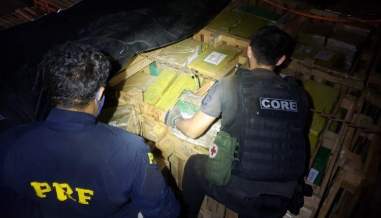 As 5 toneladas de droga abasteceriam o Complexo da Maré (Foto: PRF)