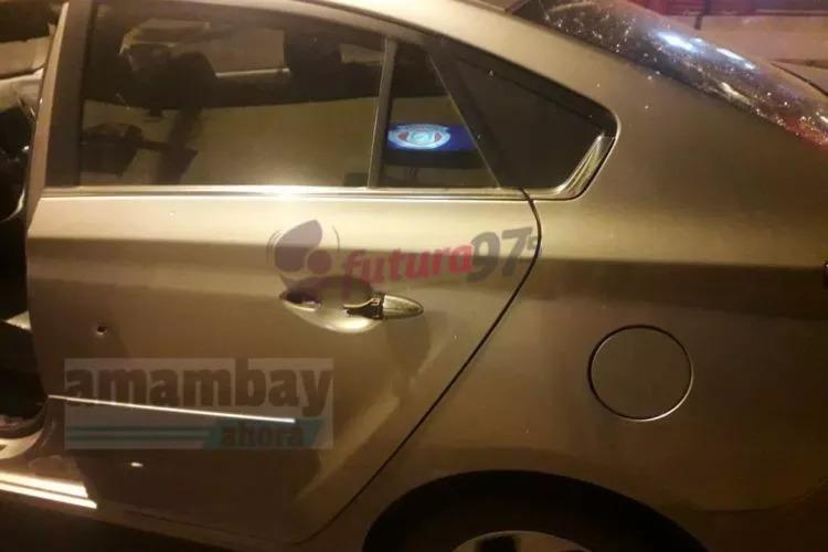 O carro que a vítima estava recebeu vários impactos de arma de fogo.