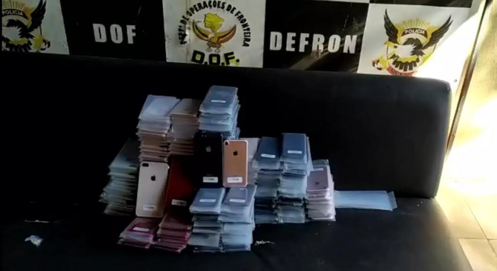 Ao todo, 290 aparecelhos celulares, avaliados em R$ 825 mil, foram apreendidos (Foto: Divulgação/DOF)