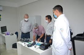 Secretário de Estado de Saúde, Geraldo Resende, e prefeito Marquinhos Trad, estiveram na unidade de reabilização que começa a funcionar amanhã (Foto: Divulgação/Apae-CG)