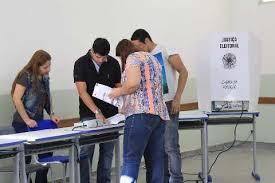 Eleitores durante votação em Campo Grande, em 2018 (Foto: Arquivo)