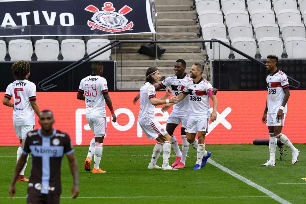 Diego jogador do Flamengo comemora seu gol durante partida contra o Corinthians no estádio Arena Corinthians pelo campeonato Brasileiro A 2020. (Foto: Estadão Conteúdo)