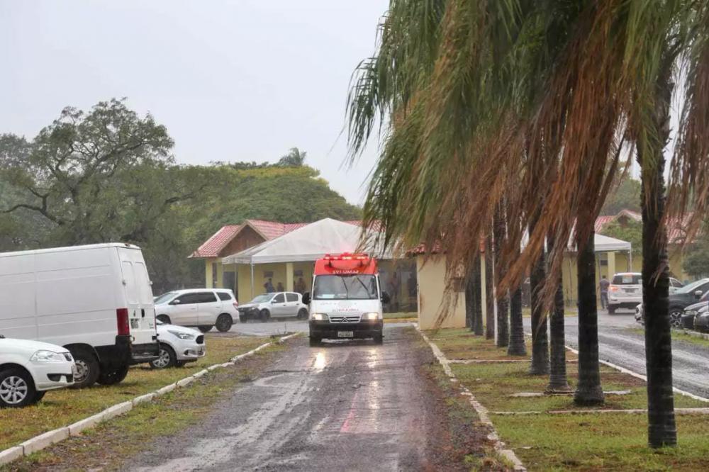 A criança foi levada para a Santa Casa por uma equipe do Samu (Foto: Paulo Francis) -