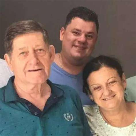 Empresário ao lado da esposa e filho; dono de lojas de calçados foi vítima de grave acidente na BR-262