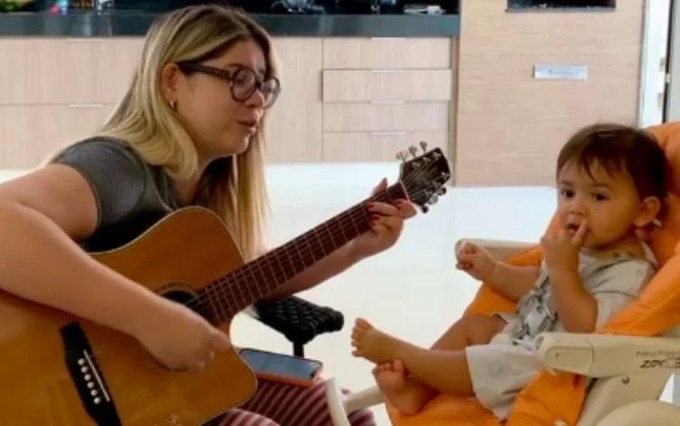 Léo, filho de Marília Mendonça, está completando 11 meses