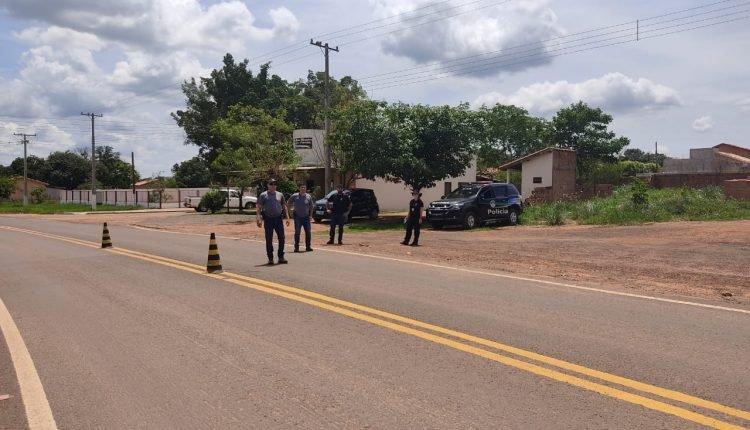Policiais durante operação realizada na fronteira. Foto: Divulgação