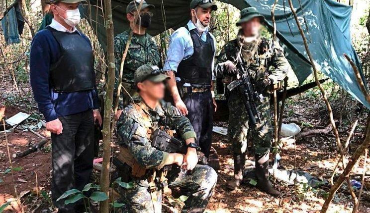 Presidente do Paraguai visitou local onde aconteceu o confronto. (Foto: Divulgação).