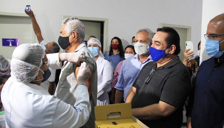 Imunização no município seguiu o cronograma nesta quarta-feira. (Foto: Divulgação/PMC)