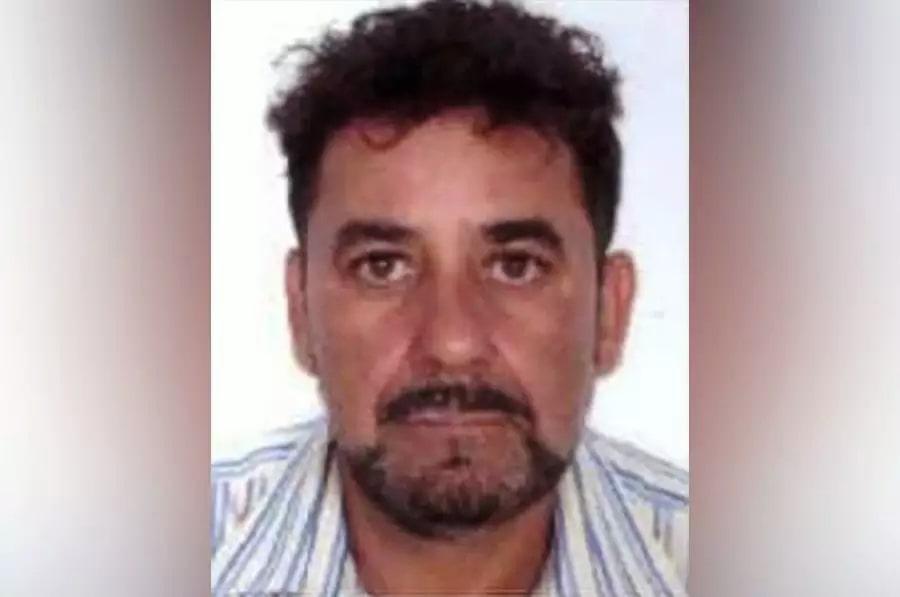 Antonio Cezar Cavalheiro Soares é procurado como autor das duas mortes (Foto: Reprodução)