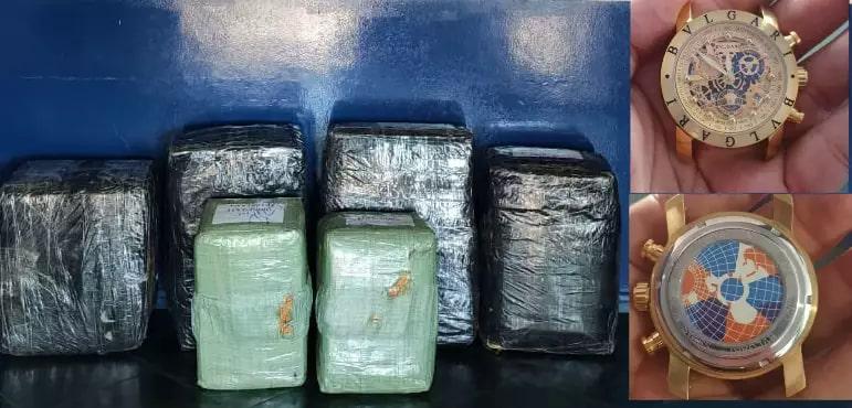 Foram apreendidas cerca de 5 mil relógios, as peças foram avaliadas em aproximadamente R$ 1,3 milhão. (Foto: Divulgação/PM)