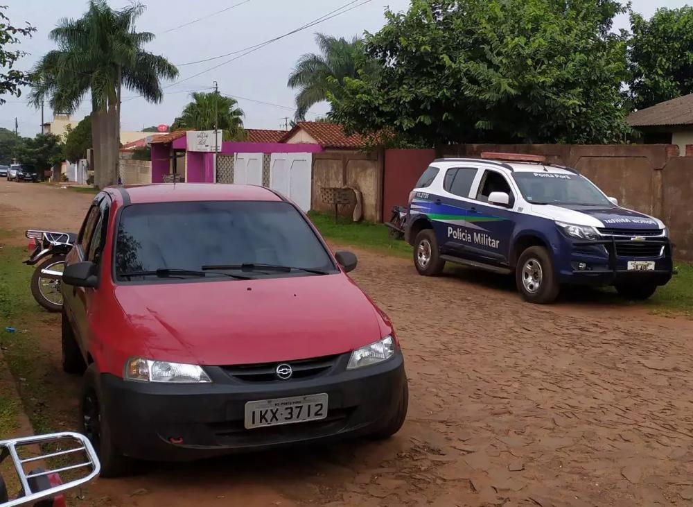 Celta roubado em Ponta Porã foi abandonado em Pedro Juan, a exemplo de Fox prata (Foto: Divulgação)