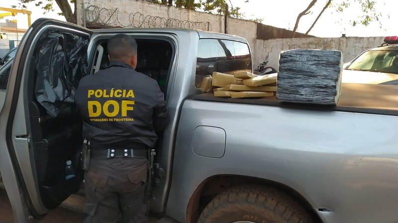 Carga de maconha era acompanhada por dois carros batedores - Foto: Divulgação/ DOF