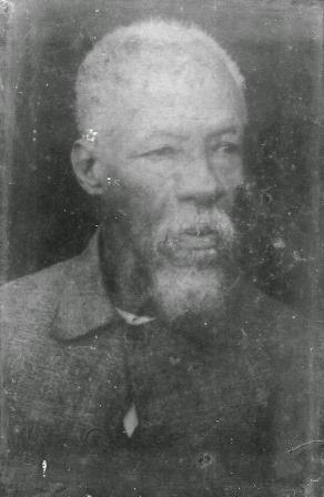 Foto arquivo pessoal de Maria Guarani Kaiowá Barcellos: João Antônio da Trindade (Capitão).