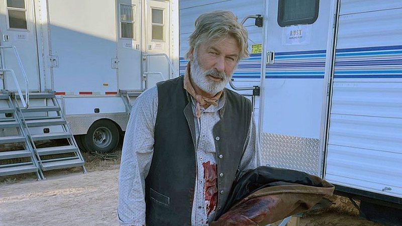 Equipe de filme com Baldwin pediu demissão horas antes da morte de diretora