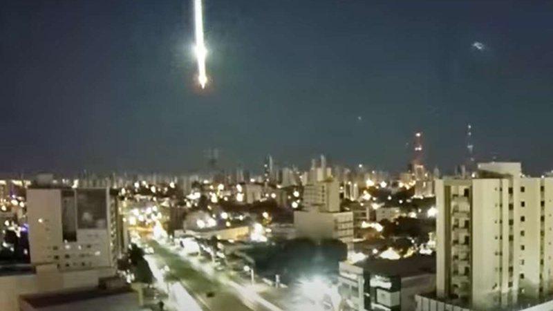 VÍDEO: Meteoro cai em Mato Grosso e ilumina madrugada com clarão intenso