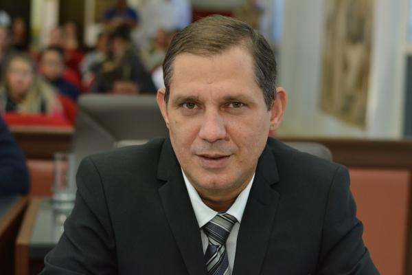 Brunoí quer informações sobre servidores comissionados da Prefeitura